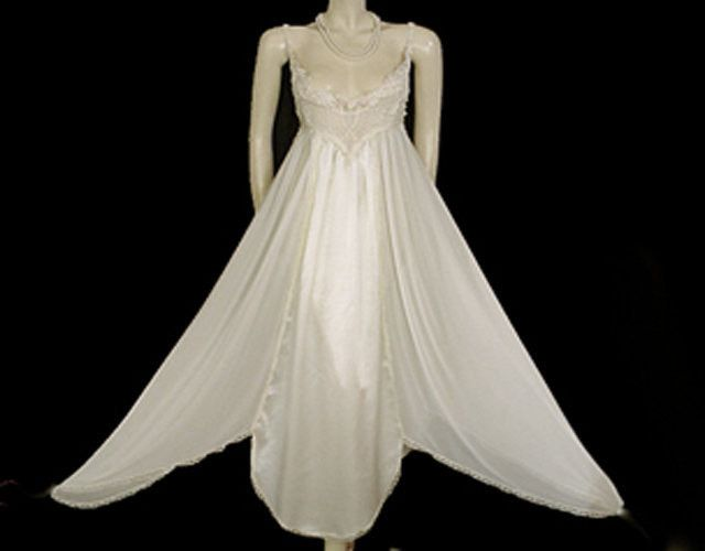 Just a stunning vintage nightgown by the wonderful diane samandi for jonquil  sold at neiman marcus 89ef72dff