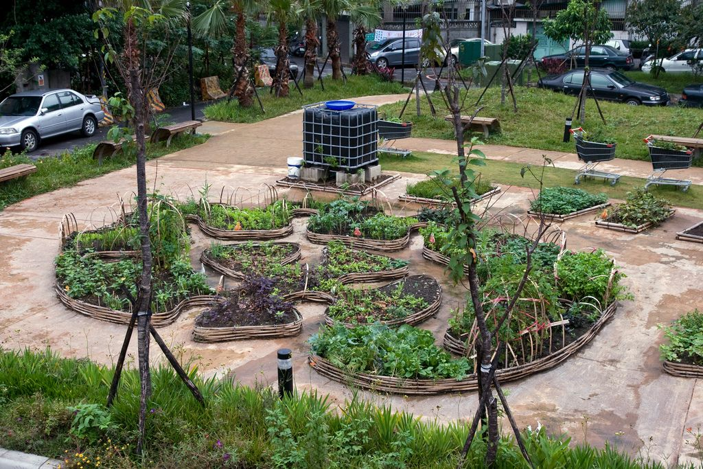 Image result for keyhole beds | Keyhole garden, Garden ...