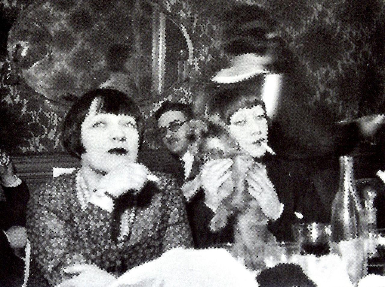 Man Ray Modigliani: Kiki De Montparnasse Et Hermine David, Paris, Années 1920