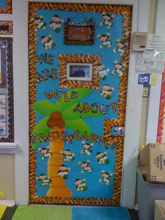 Kindergarten back to school door might do this for for Back to school decoration ideas