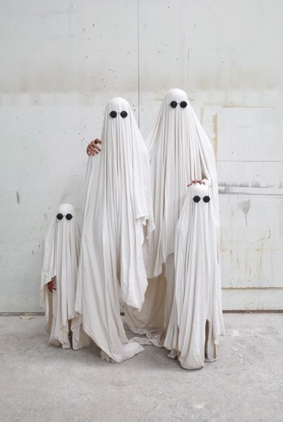 Clever Costume Ideas You Can Create From Your Closet Ghost - halloween costume ideas from your closet