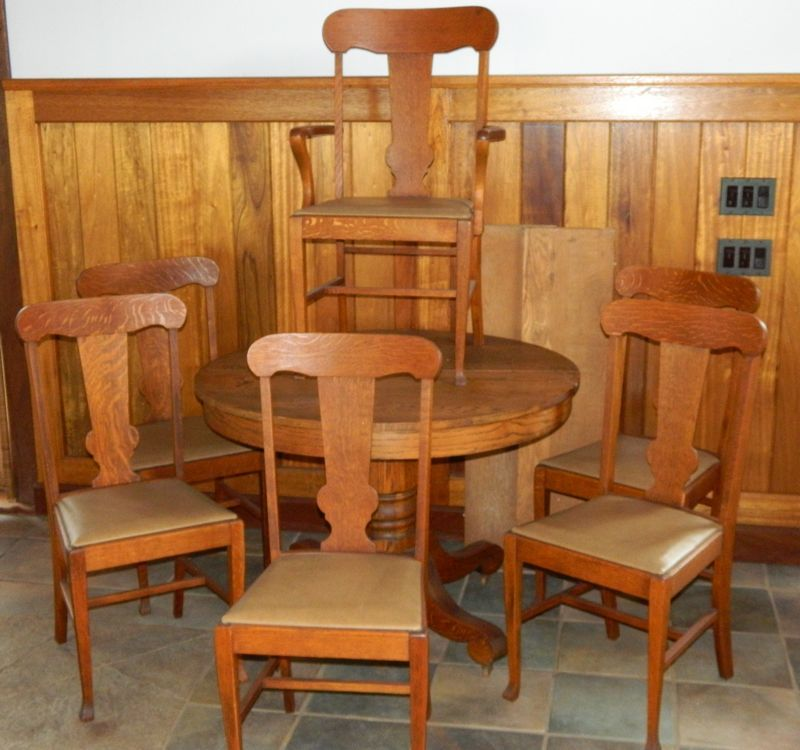 Round Oak Dining Table Set Consisting Of Pedestal 2 Leaves 6 Chairs Arm Chair