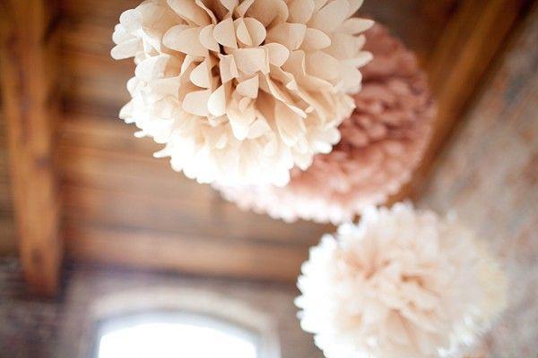 seidenpapier pompons pudert ne hochzeit pinterest seidenpapier papier und dekoration. Black Bedroom Furniture Sets. Home Design Ideas