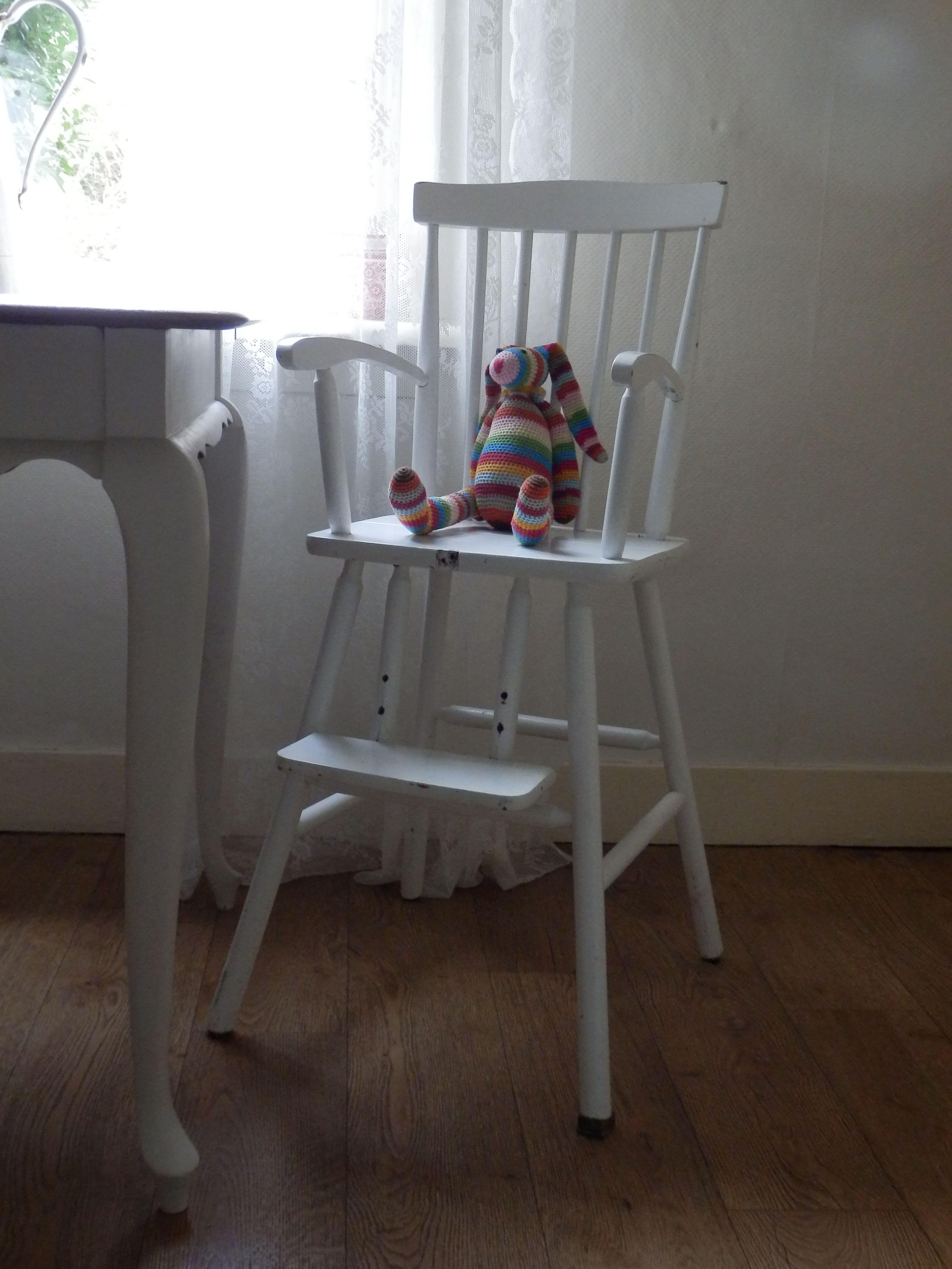 Kinderstoel Voor Peuters.Oude Kinderstoel Knusse Peuter Kleuter Spijlenstoel Kan Een Likje