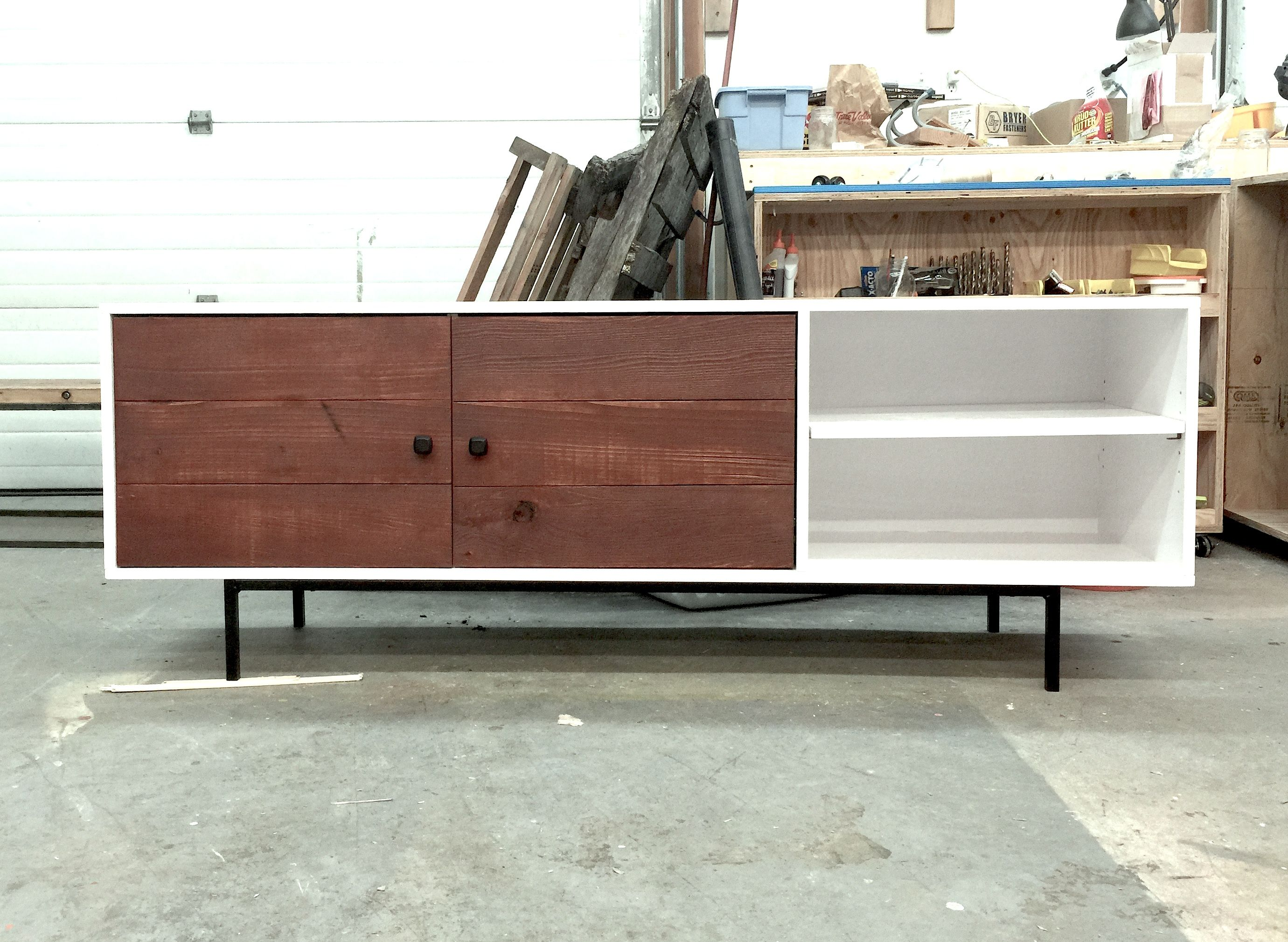 Ana White Long Modern Media Console Or Entertainment Center Diy Projects
