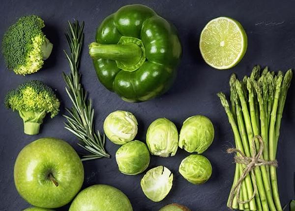 أين يوجد فيتامين E في الخضروات Stuffed Peppers Brussel Sprout Vegetables