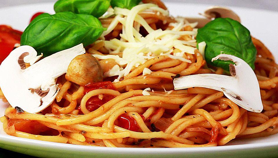 One Pot Pasta, ein schönes Rezept aus der Kategorie Raffiniert & preiswert. Bewertungen: 20. Durchschnitt: Ø 3,9.