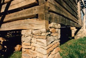 Log Cabin Notches Which Is The Best Handmade Houses With Noah Bradley Cabins And Cottages Log Cabin Handmade Home