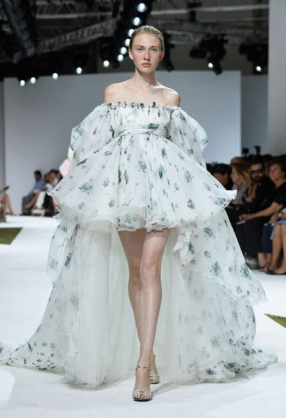 The Best Runway Looks From Paris Fashion Week 68