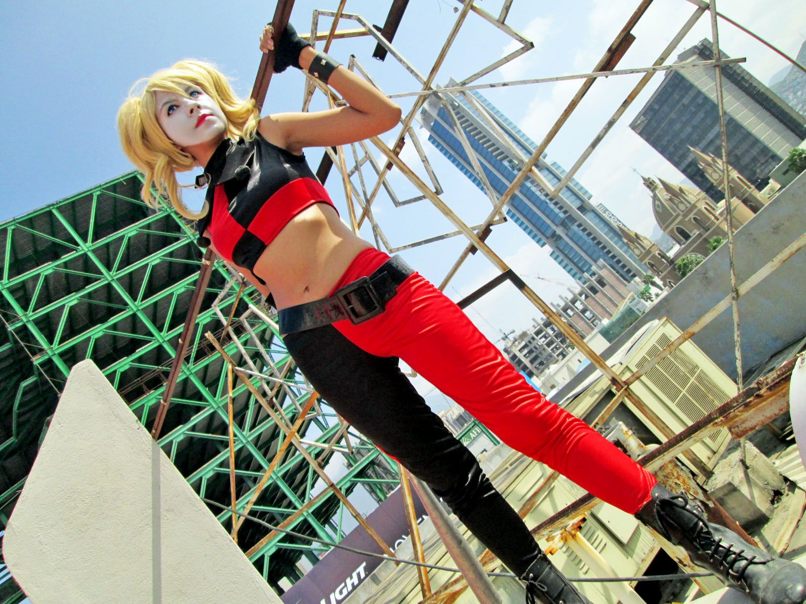 Harley quinn assault on arkham cosplay