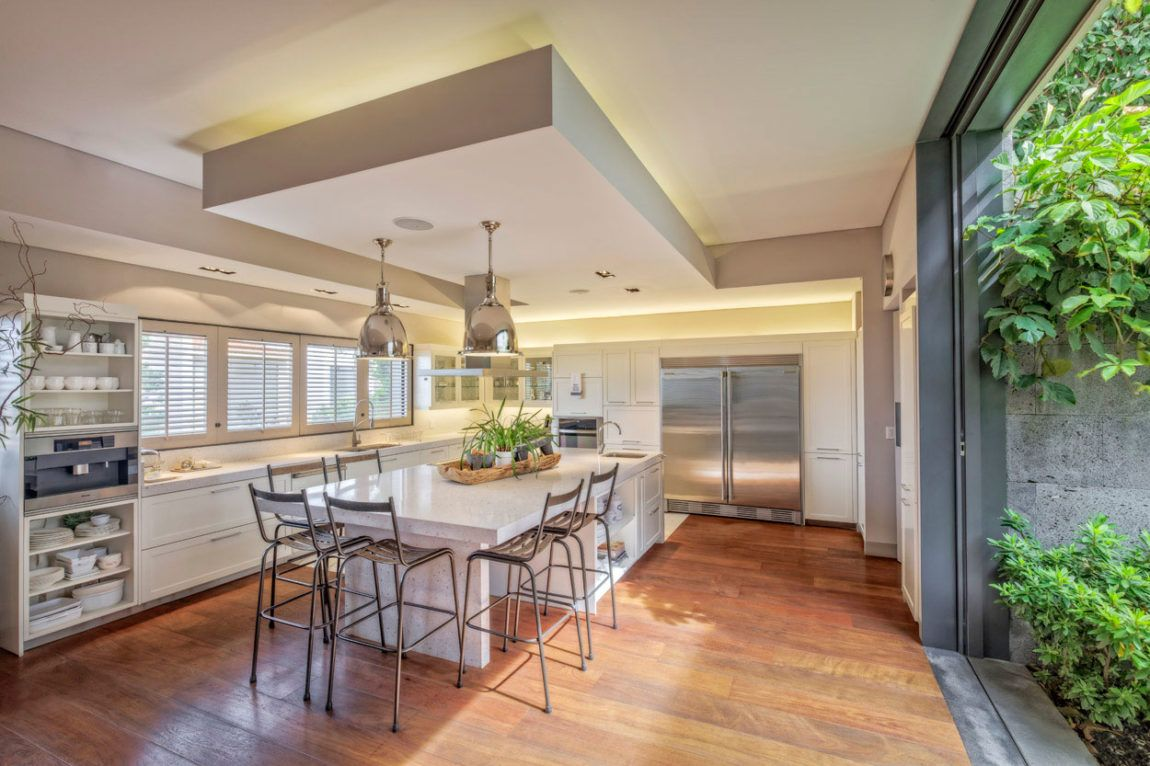Wonderful House Designed By Lopez Duplan Arquitectos Kitchens  # Muebles Cid Villarica