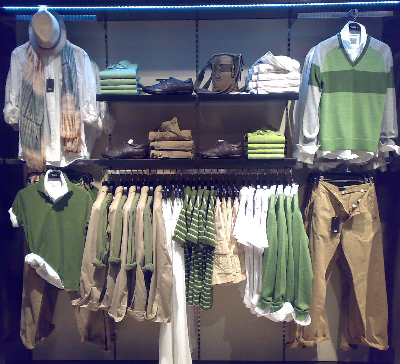 самом развеска рубашек в магазине одежды фото подобном