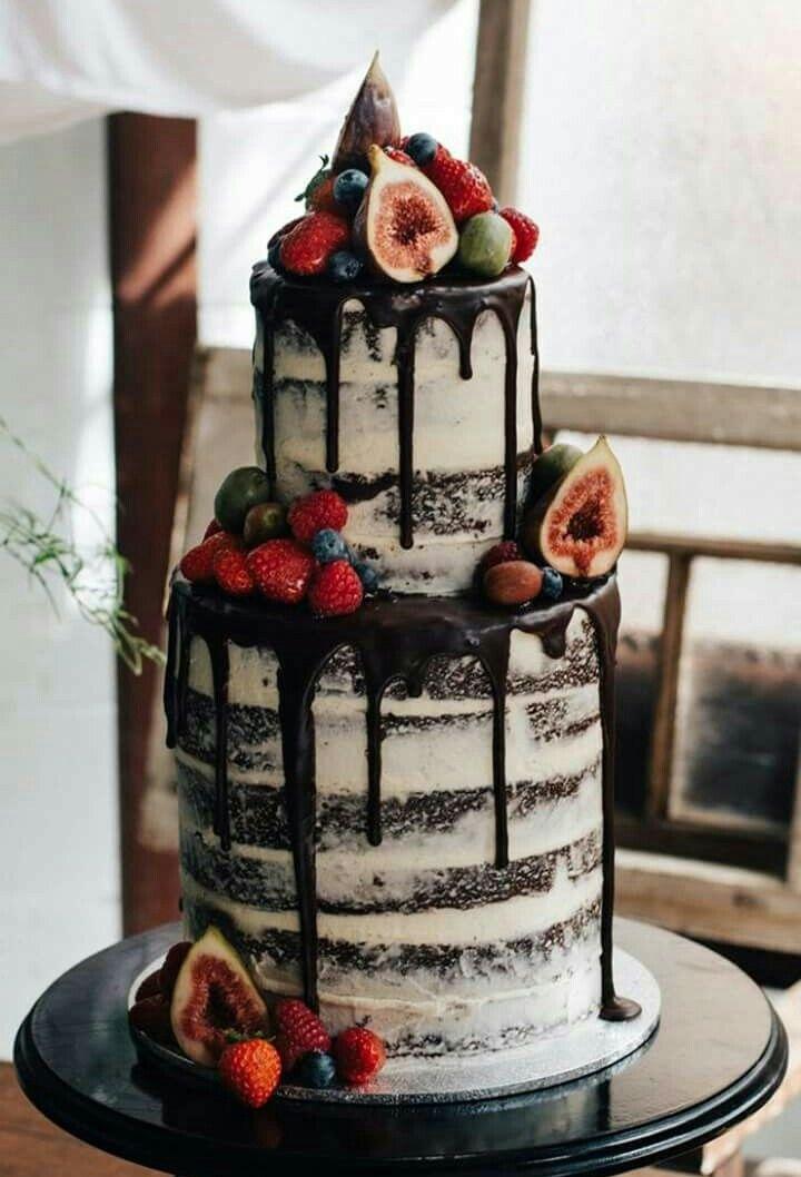 Drip Cake Naked Cake Hochzeitstorte Mit Dunkler Schokolade Und