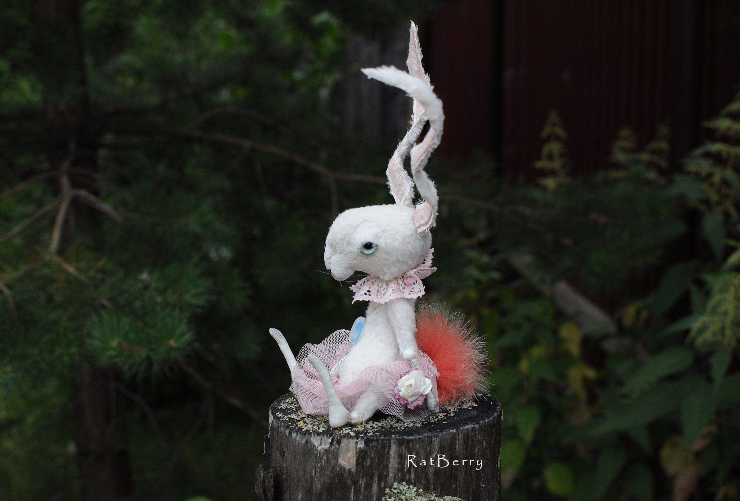 Ratberry Hasenplusch Weisses Kaninchen Gruselige Kuscheltiere Personalisierte Gekleidete Tutu In 2020 Handgemachte Kuscheltiere Halloween Spielzeug Kuscheltier