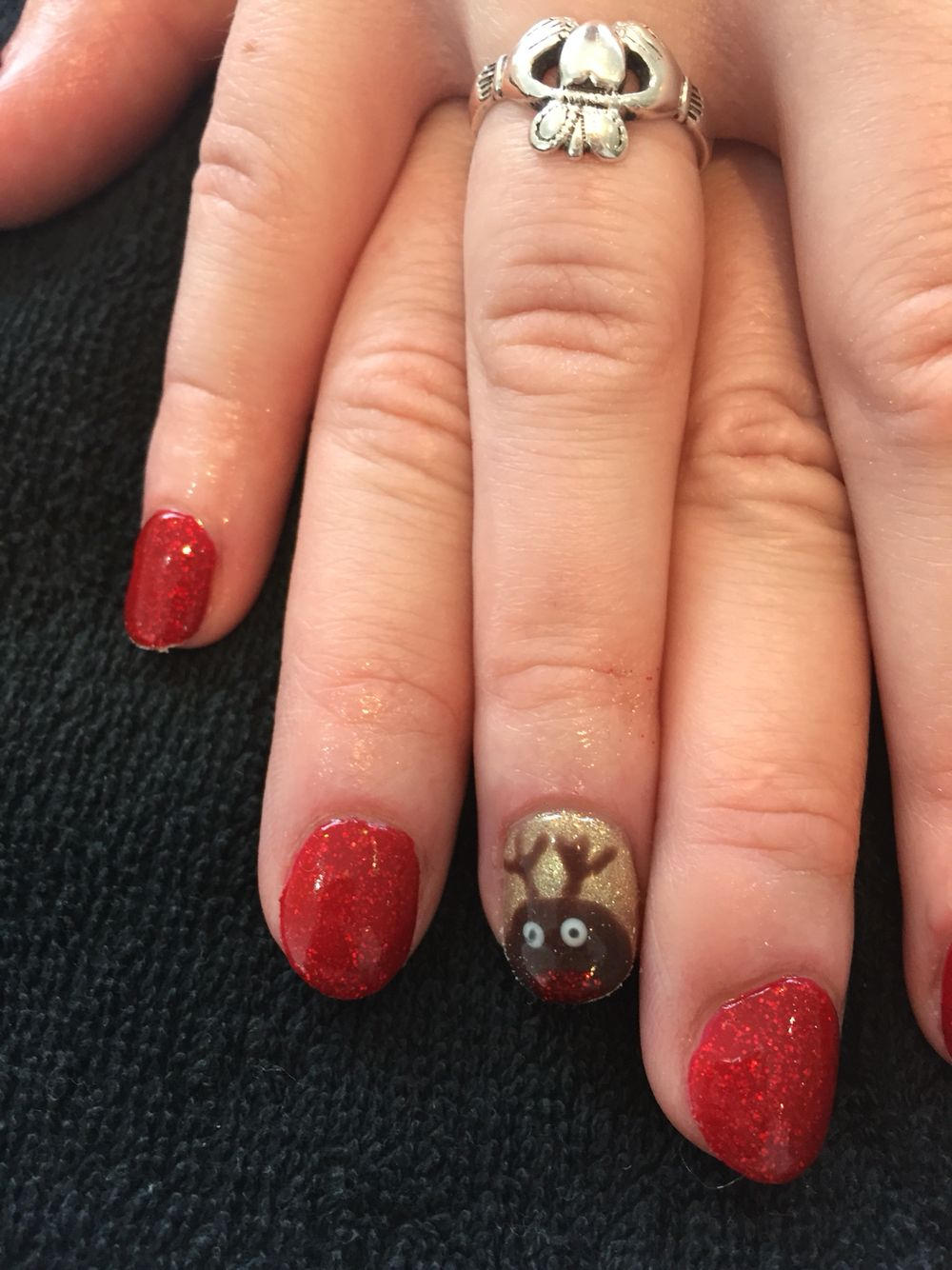 Christmas nail art with bio sculpture