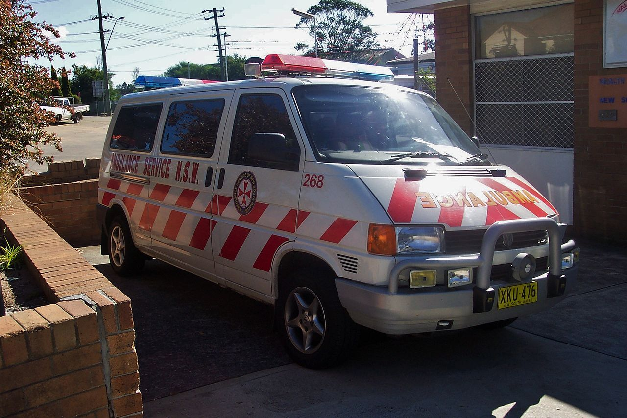 how to be a paramedic nsw