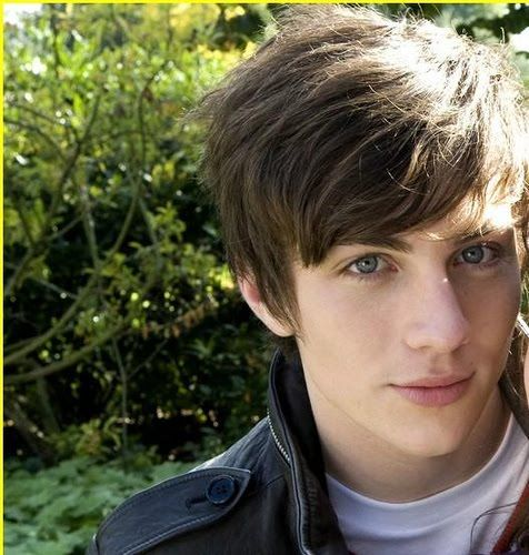 Pin By Belen Lambarri On Future Husbands Aaron Johnson Angus Thongs And Perfect Snogging Aaron Taylor