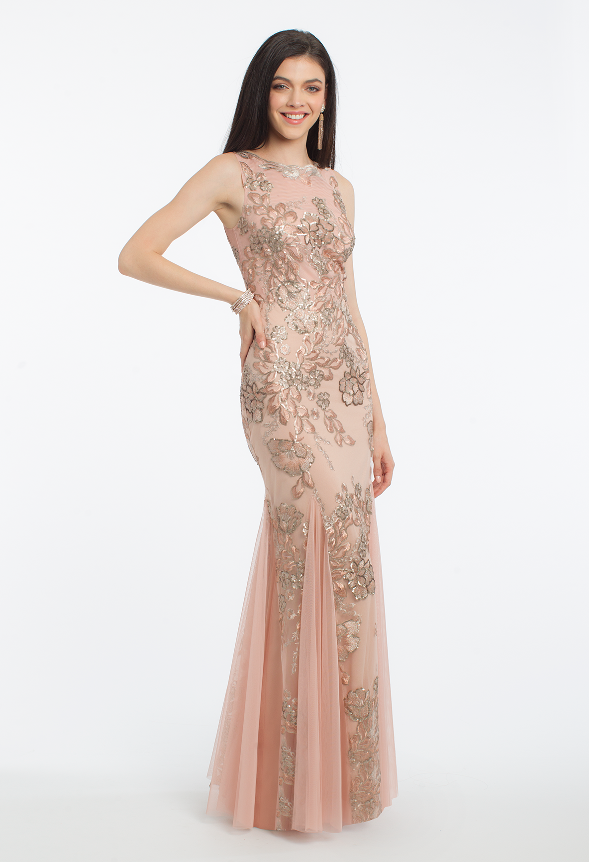 Make your prom night extra special with this glamorous evening gown