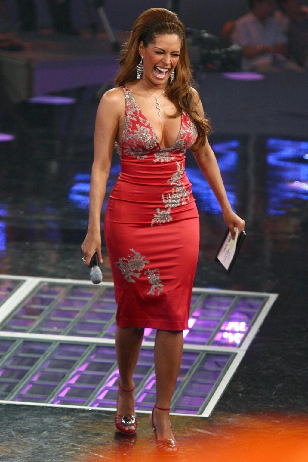 women mature latina Wide hips