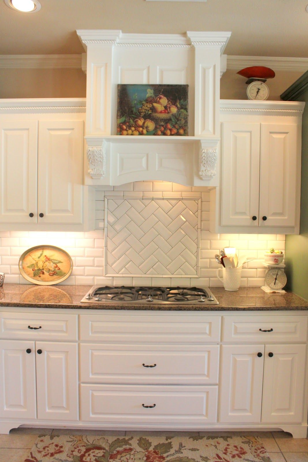 Framed Square Catchy Herringbone Backsplash Accent Tiling Using Matte White Trendy Kitchen Backsplash Kitchen Backsplash Designs Backsplash For White Cabinets