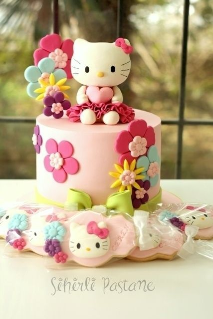 Hello Kitty Cake And Cookies Hello Kitty Cakes In 2019 Pinterest