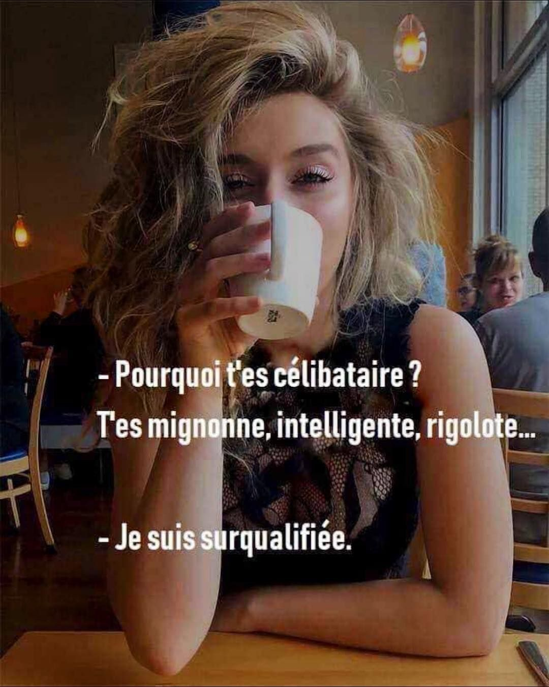 Pourquoi Tu Es Célibataire Mignonne Intelligente