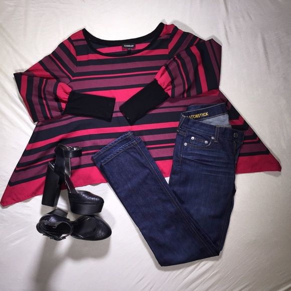 Get the look.  Bebe. Circus. Matchstick. Get the look. Sz4 matchstick jeans.  8.5 circus shoes.  Xs Bebe blouse. bebe Jeans Straight Leg