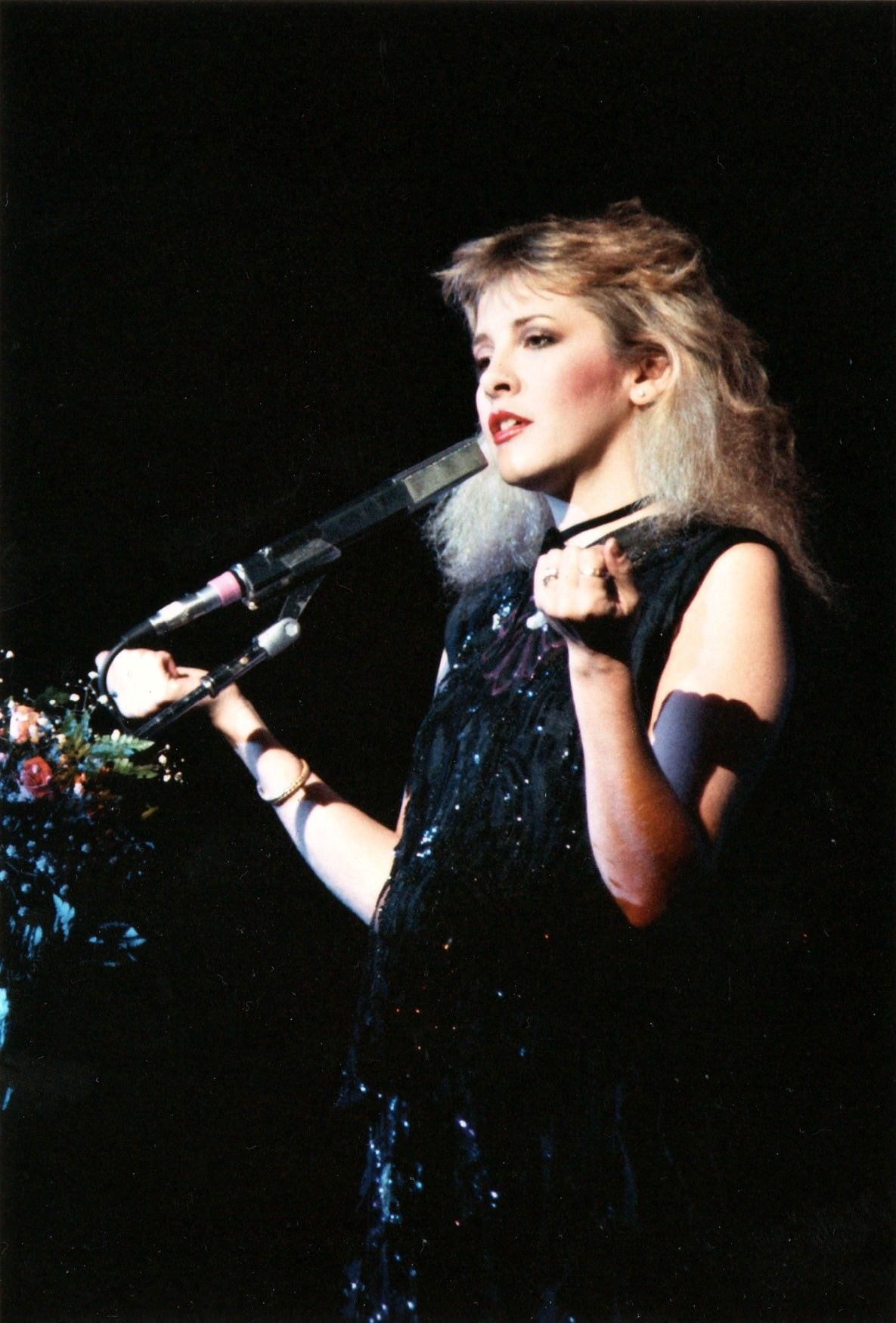 In Your Dreams Her Petite Pretty Forearms And Hands Have Always Been Very Expressive Ballet Hands Lol Stevie Nicks Stevie Stevie Nicks Fleetwood Mac [ 1750 x 1185 Pixel ]