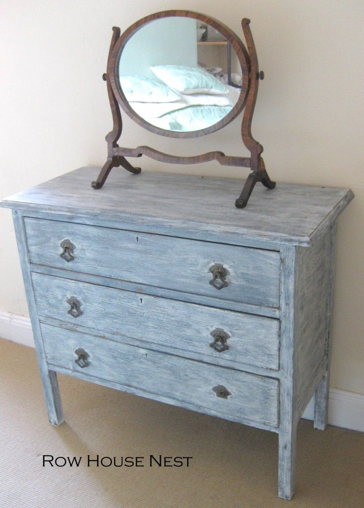 Diy distressed dresser white washed furniture dressers for Whitewashed furniture
