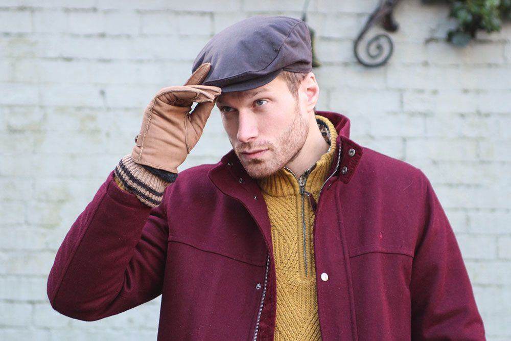 Hat: 1-2109 Wax Cotton Flat Cap in Navy. Gloves: 5-9021 Shetland Nubuck Leather Gloves with Knitted Cuff in Tobacco