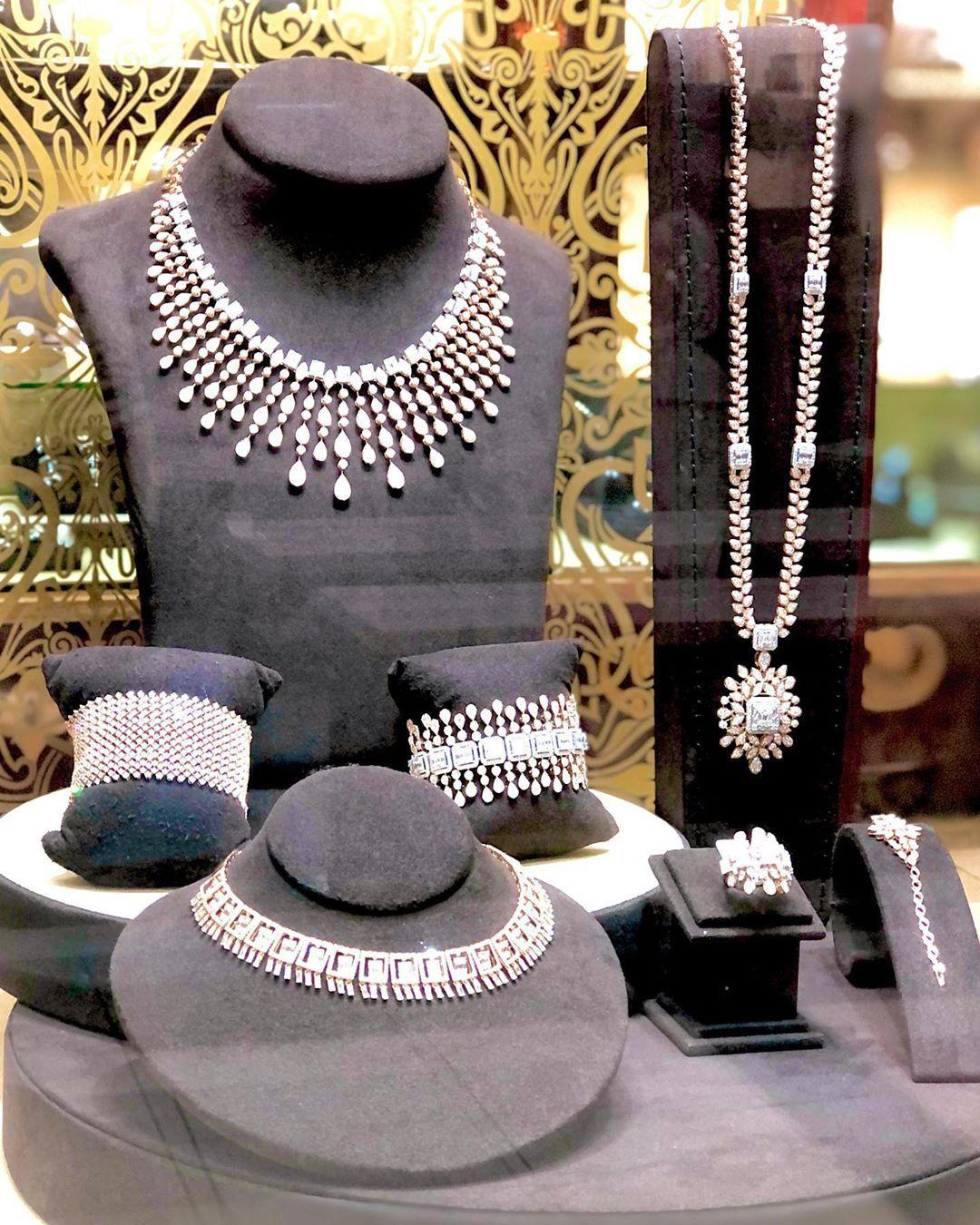 Devjiaurum Has The Most Breathtaking Exquisite Pieces In Their Store At Al Aali Mall Devjiaurum لديه أفخم أنواع المجوهرات و الذهب م Panama Hat Hats Fashion