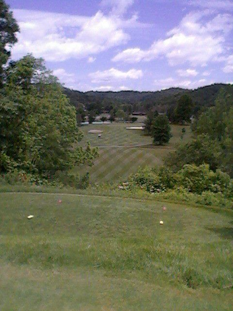 17th Hole At Greenhills Country Club In Ravenswood Wv Golf Courses West Virginia Scenery