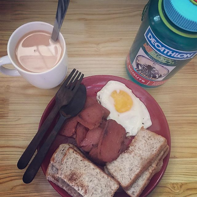 Feeling American Breakfast with hot thai milk tea!  Feeling American Breakfast with hot thai milk tea!
