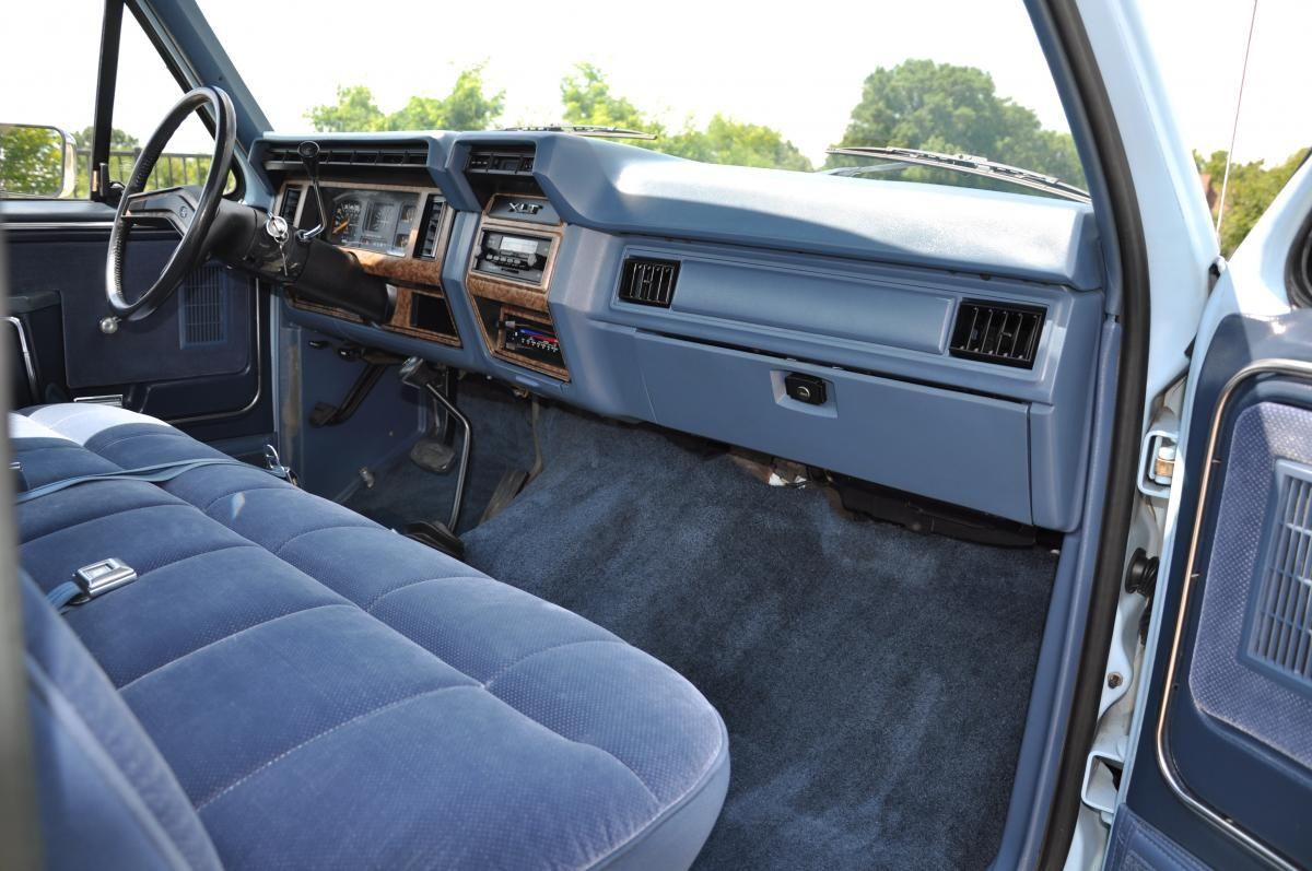 1986 Ford F 150 Lariat Xlt 4x4 Ford F150 Lifted Ford Trucks Ford F150 Custom