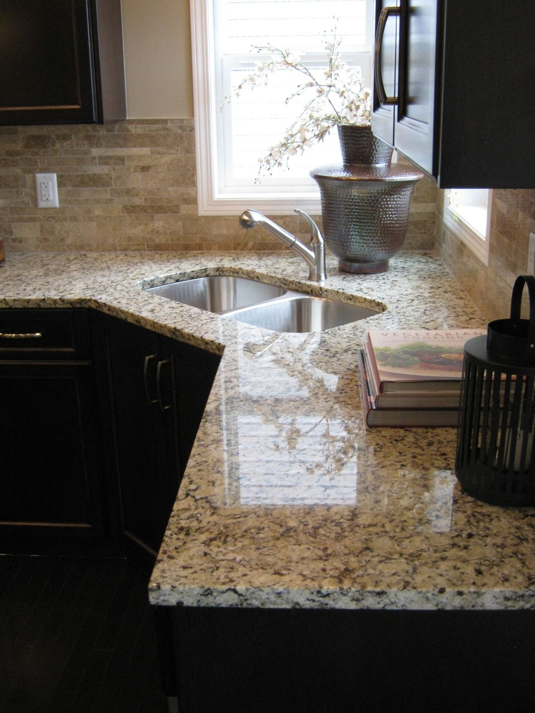 excel show home hillcrest airdrie kitchen venetian ice granite