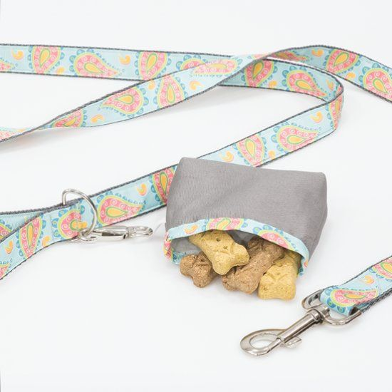 Take your dog for a stroll with our dog leash and treat pouch tutorial.  Free video tutorial and pattern. -   21 diy dog leash
