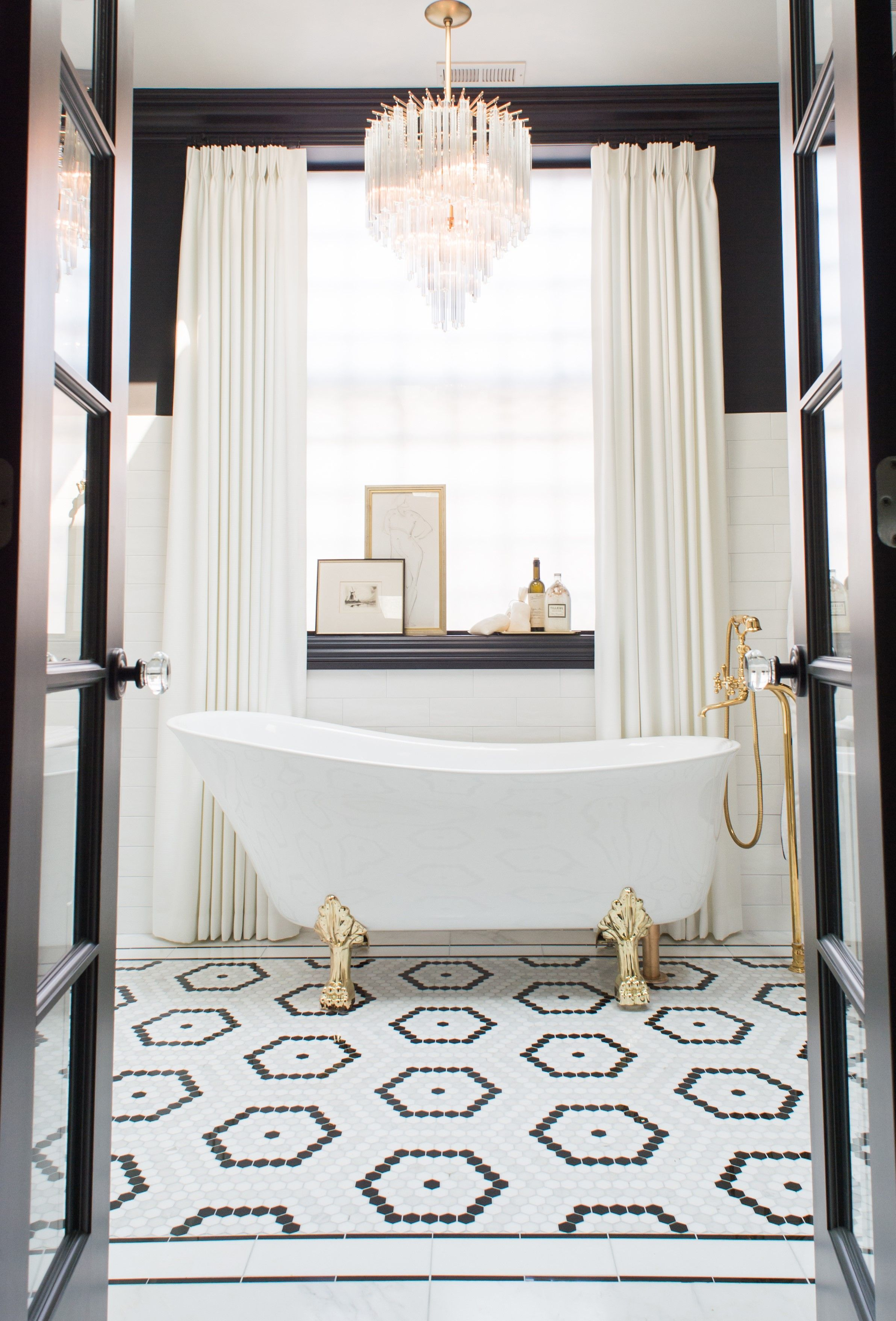 Black and White Bathroom | White bathroom tiles, Black ...