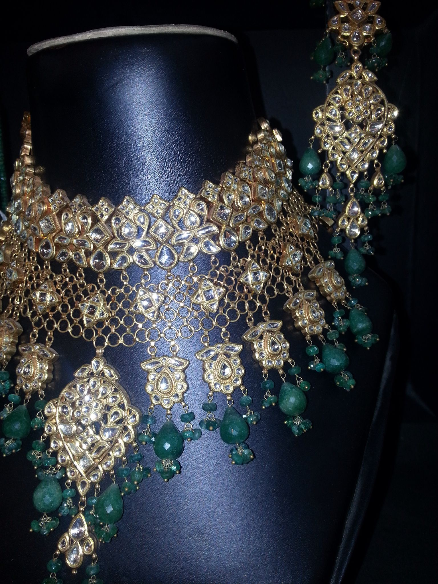Ravishing bridal set in kt gold avialable for order jewellery