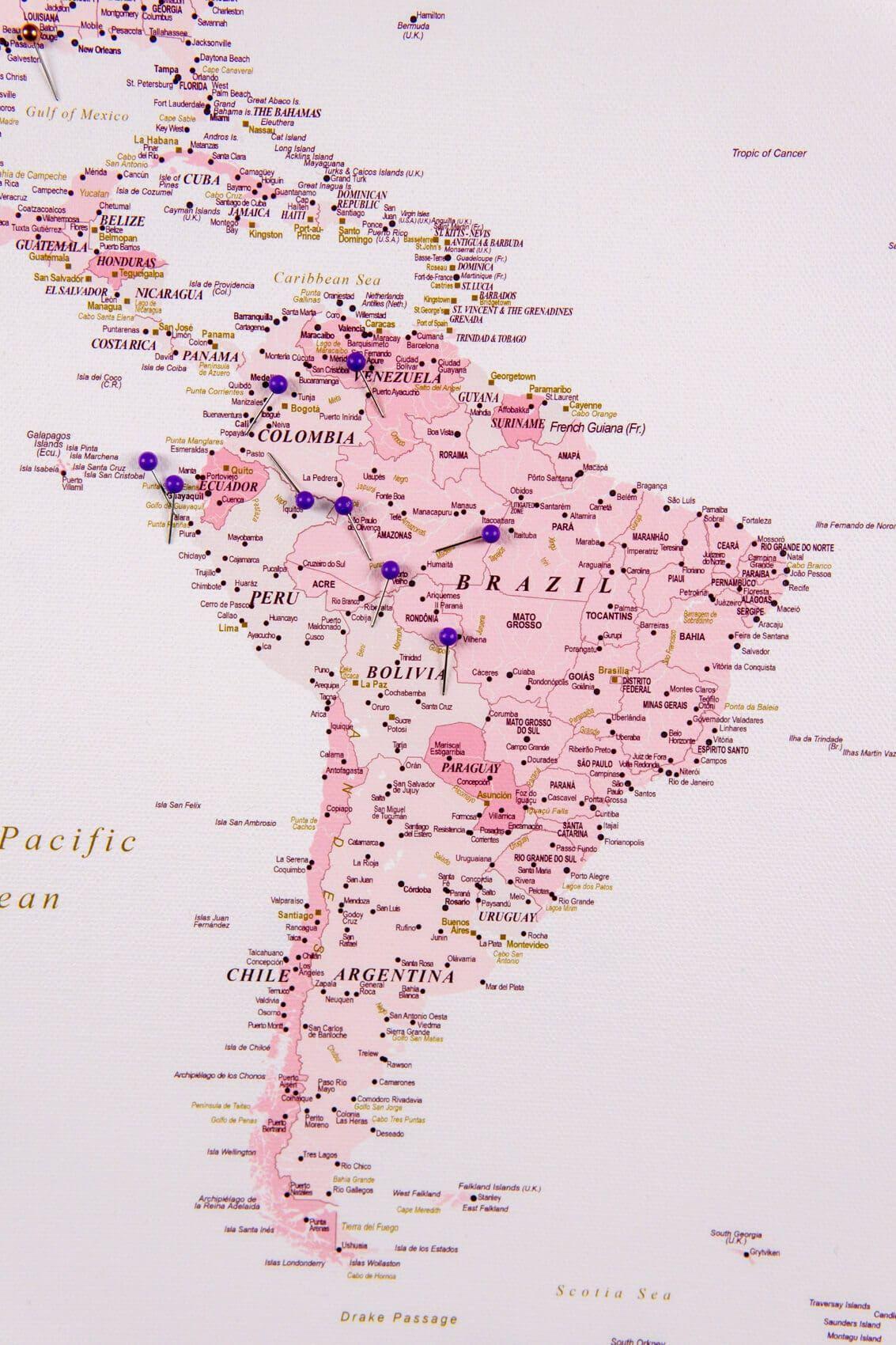 Kombiniere Einfach Rosa Weltkarte Mit Blaue Pins Detailreich Karte Aus Leinwand In 2020 Weltkarte Pinnwand Weltkarte Karten
