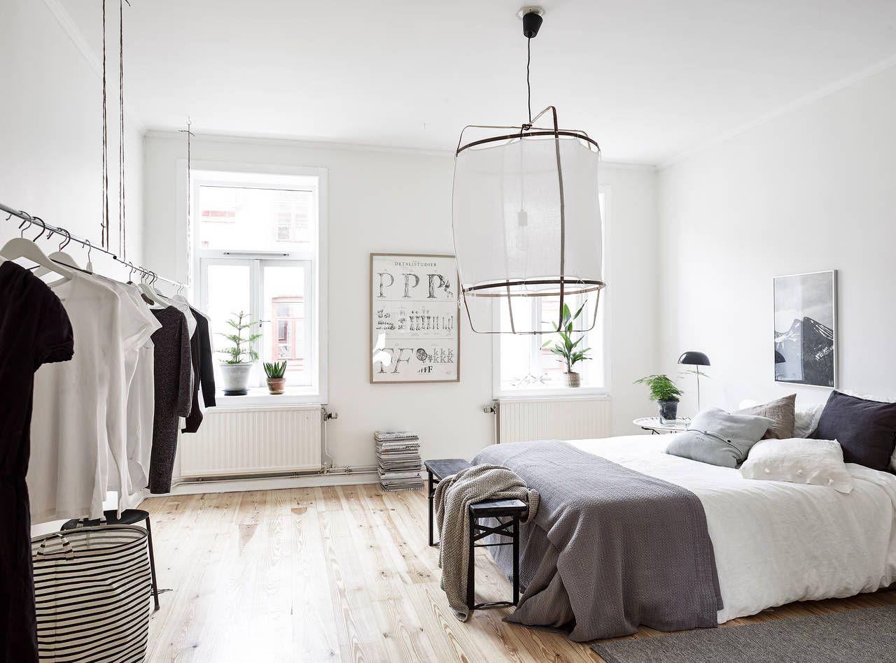 Un intérieur suédois qui sent bon la douceur de Noël.  Styled by Emma Hosvia Coco Lapine.