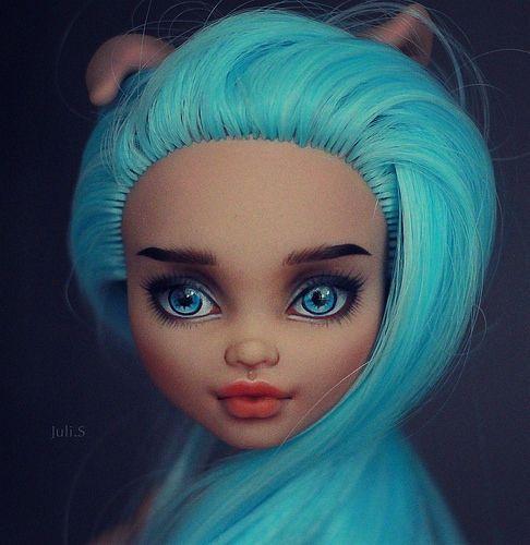 OOAK Monster High Howleen Wolf #OOAKbyJuliSidorova #JuliSidorova #OOAKMonsterHigh #MonsterHigh #OOAK #Doll #HowleenWolf