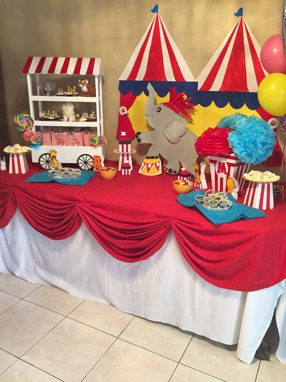 Circus Party Table Circus Birthday Party Carnival Themed Party Circus Birthday