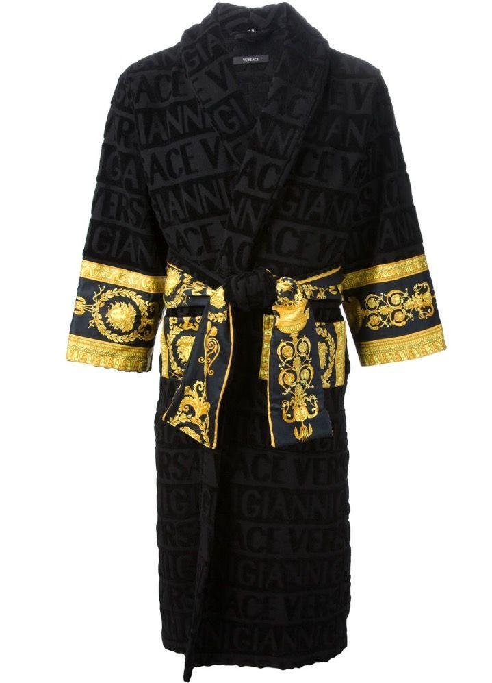 Versace bathrobe   Haute couture en 2019   Versace, Versace bathrobe ... 44a79b53215