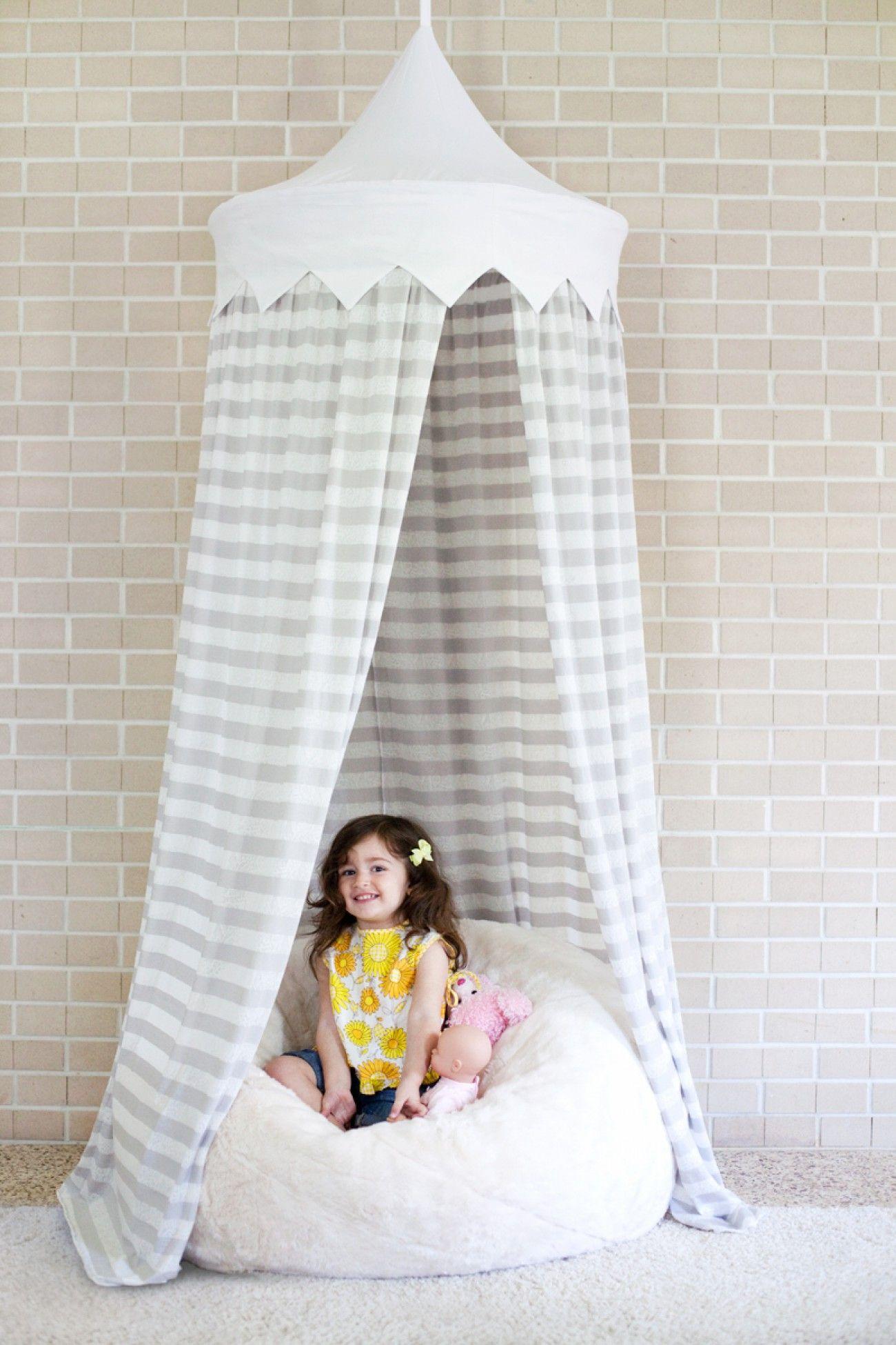 Ein Zelt für ds Kinderzimmer selber machen mit einem Hula Hoop ...