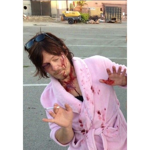 The Walking Dead, It's an obsession really. ❤ liked on Polyvore featuring home, home decor and pink home decor