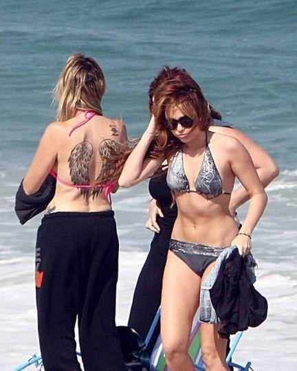 Huge Mom Tish In Cyrus Miley And BikinisExpose Tattoosmonarch W9EHD2IY
