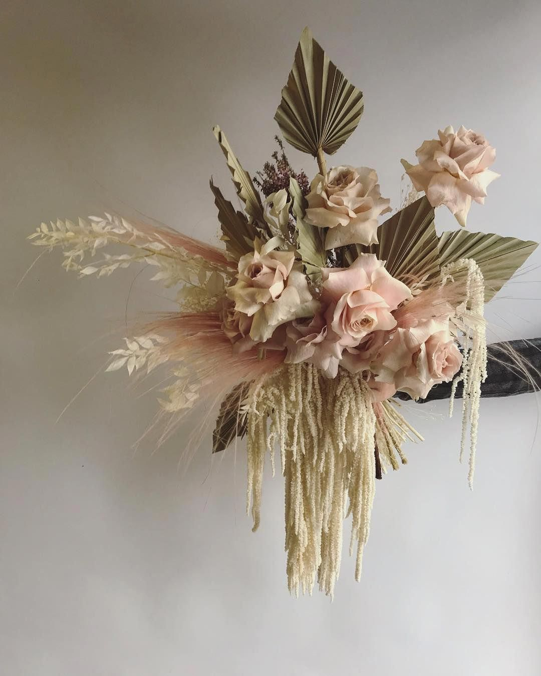 Prudent Defined Romantic Wedding Centerpieces Check My Blog Romanticweddingcenterpieces In 2020 Dried Flower Arrangements Flower Arrangements Dried Flowers