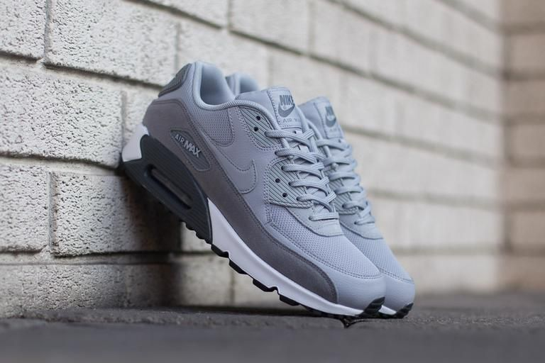 premium selection 40d7e 9e9f0 Product Name  Nike Air Max 90 WMNS 325213-045 Specifications  Here we have  a fresh pair of the Air Max 90 featuring a clean and simple colour palette  with ...