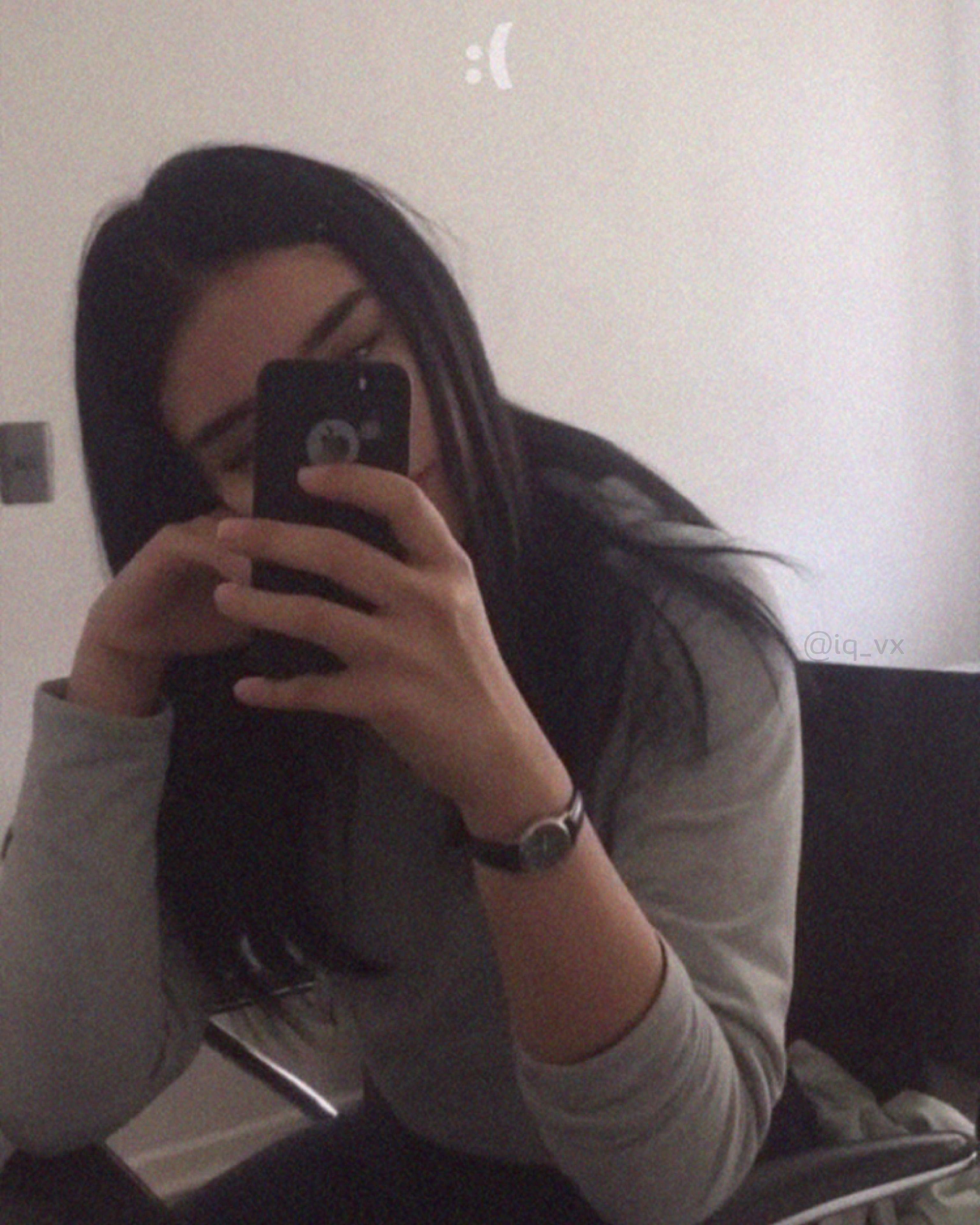 اكسبلور صور افتار افتارات رمزيات رمزيات بنات ستوريات سنابات صور بنات بنات اسئلة ستوري Mirror Selfie Anais Instagram
