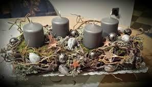 bildergebnis f r adventsgesteck mit sten adventskranz adventsgesteck pinterest advent. Black Bedroom Furniture Sets. Home Design Ideas